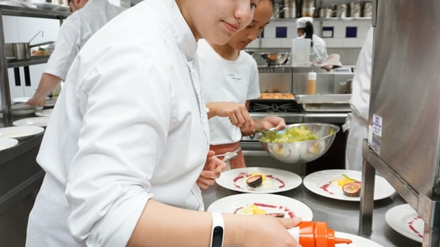 What are the benefits of working overseas as a chef?